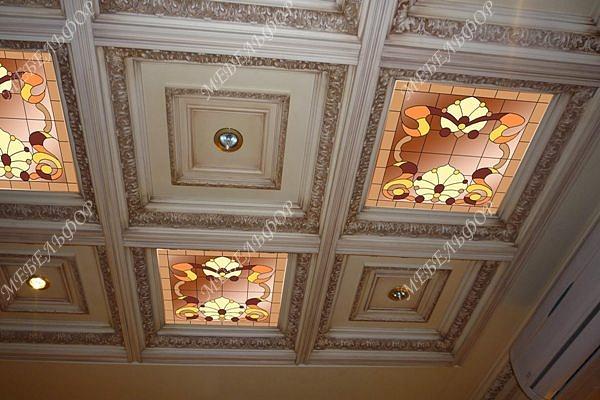 Потолки кессонные с витражами