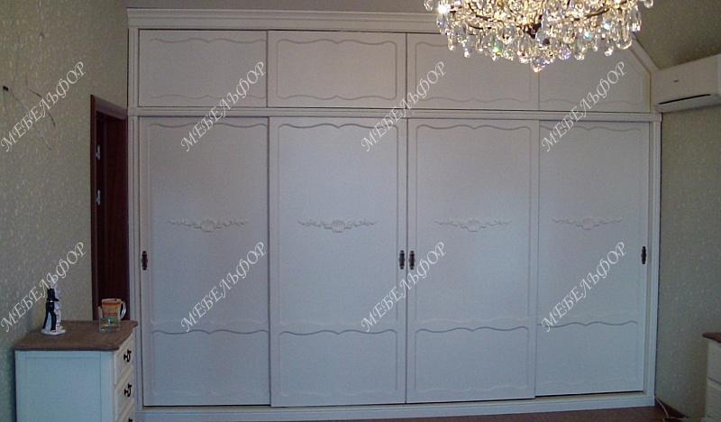 шкафы купе из окрашенного мдф с эмалью